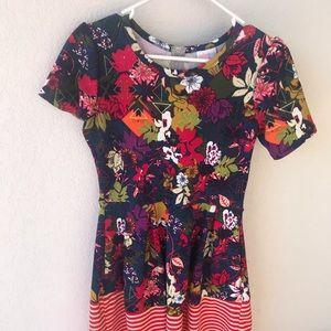 Small Lularoe Amelia dress